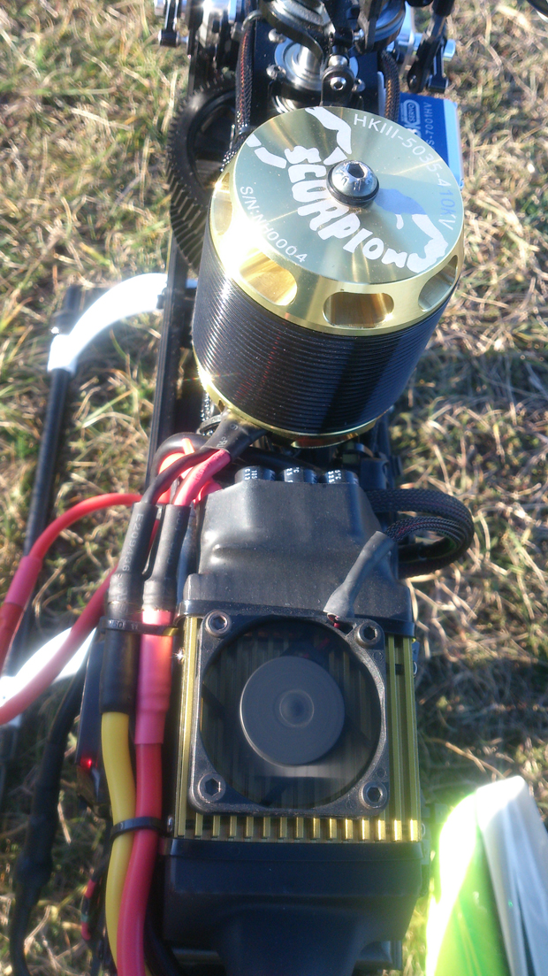 Heli Professional Soxos 800 mit Scorpion Commander und Scorpion Motor