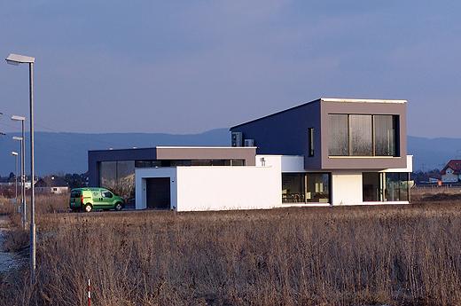 Wenn man in die Hans-Grünseis-Gasse einbiegt, dann sieht man unser Haus schon von Weitem.