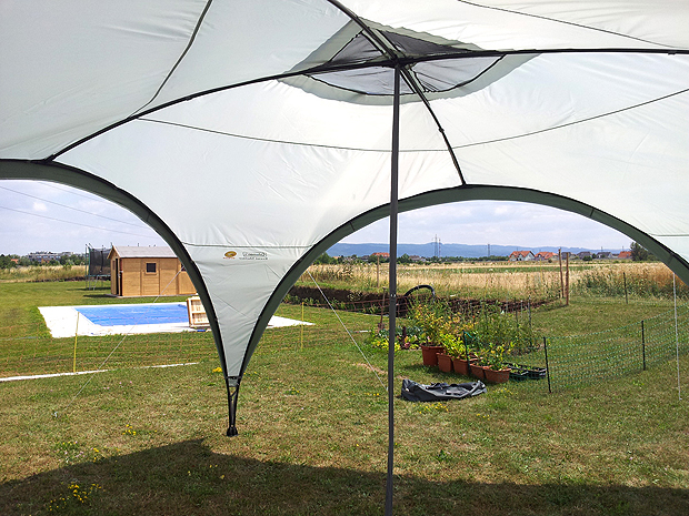 Coleman Event Shelter 450x450